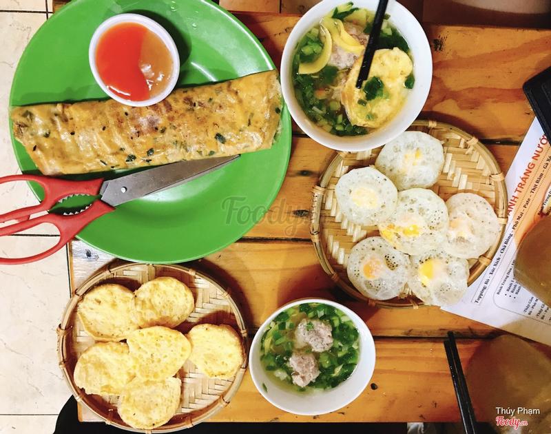 Bánh căn trứng gà , trứng cút , xíu mại