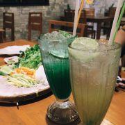 Soda, 1 số thức uống ở quán làm cũng đẹp và uống cũng ngon. Nghe đâu chị chủ quán từng là pha chế của 1 nhà hàng lớn.