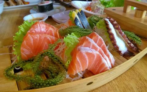 Sushi cao thang