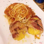 Spaghetti Boom B52 (mỳ ý bò bằm + bacon cuộn ngoài thịt trong cheese cắt ra chảy cực phê)