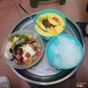 Hoa quả dầm sữa chua thạch lựu trân châu + chè xoài thái