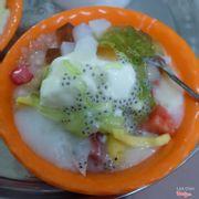 Hoa quả dầm sữa chua