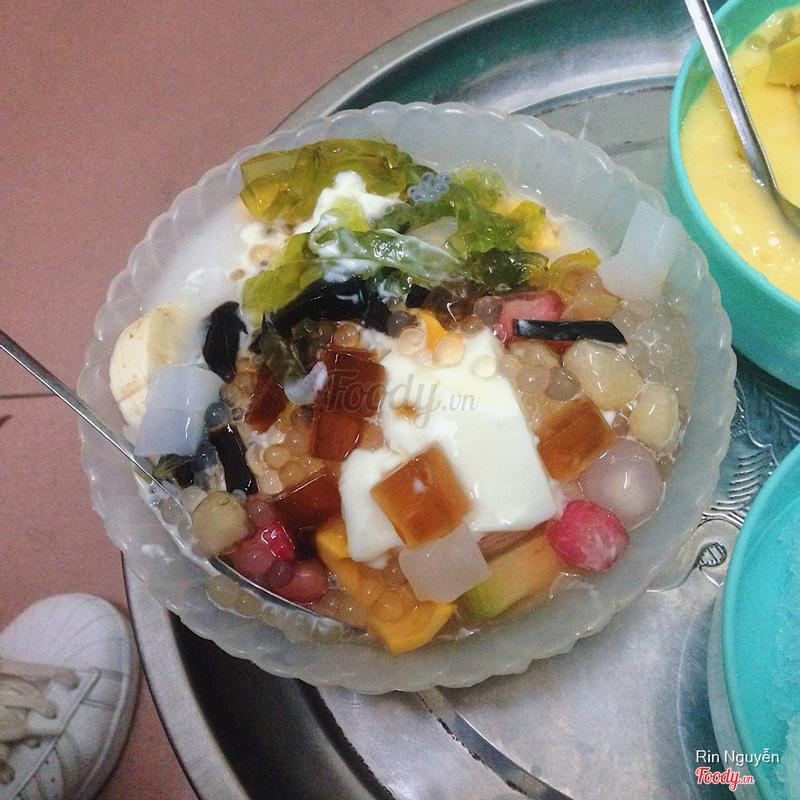 Hoa quả dầm sữa chua thạch lựu trân châu