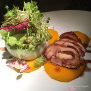 Salad gà bí đỏ giòn