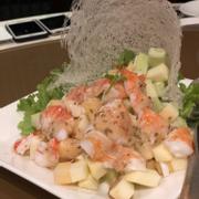 Salad hoa quả và tôm
