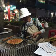 Bánh tráng nướng đầu chợ Đà Lạt