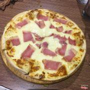 pizza phô mai thịt hun khói