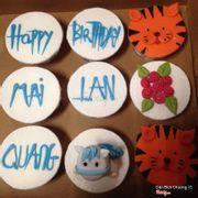 Set cupcake tạo hình fondant