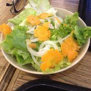 Salad dầu giấm 12k. Làm hơi ngọt và hơi nồng giấm nên không thích lắm
