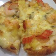 Pizza hải sản Gourmet, ngon! Nhân nhiều ăn đã ^^