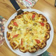 pizza hải sản viền phô mai