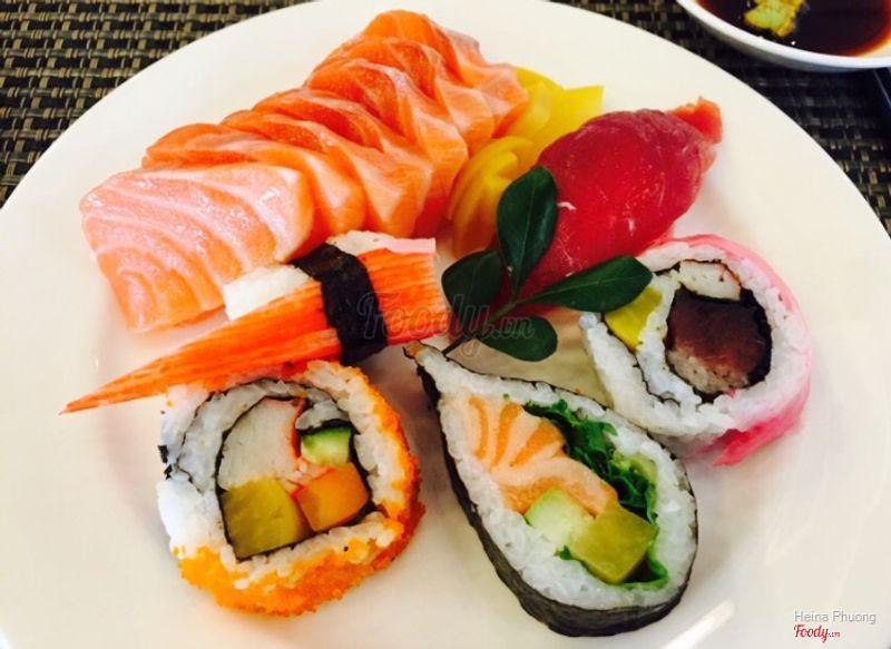 Cá hồi và các loại sushi