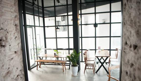 Toast 'n Tea Cafe & Food - Hoàng Cầu