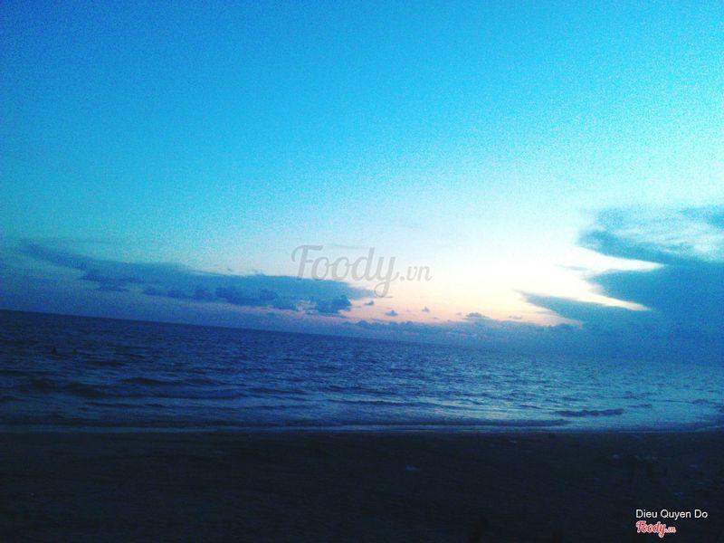 hoàng hôn ở biển Hồ Tràm