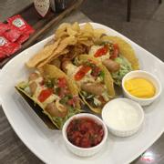 Taco xúc xích