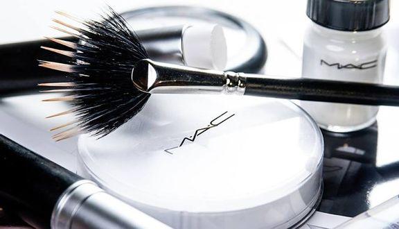 M.A.C Cosmetics - Lotte