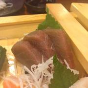 Thuyền sashimi, cá ngừ quá đen so với quy định. Theo lời bạn mình là thịt bở.