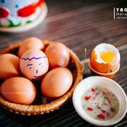 Trứng gà lòng đào