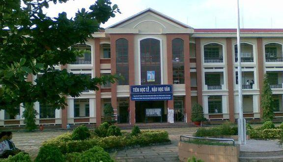 Trường THPT Tân Bình - Nguyễn Cửu Đàm