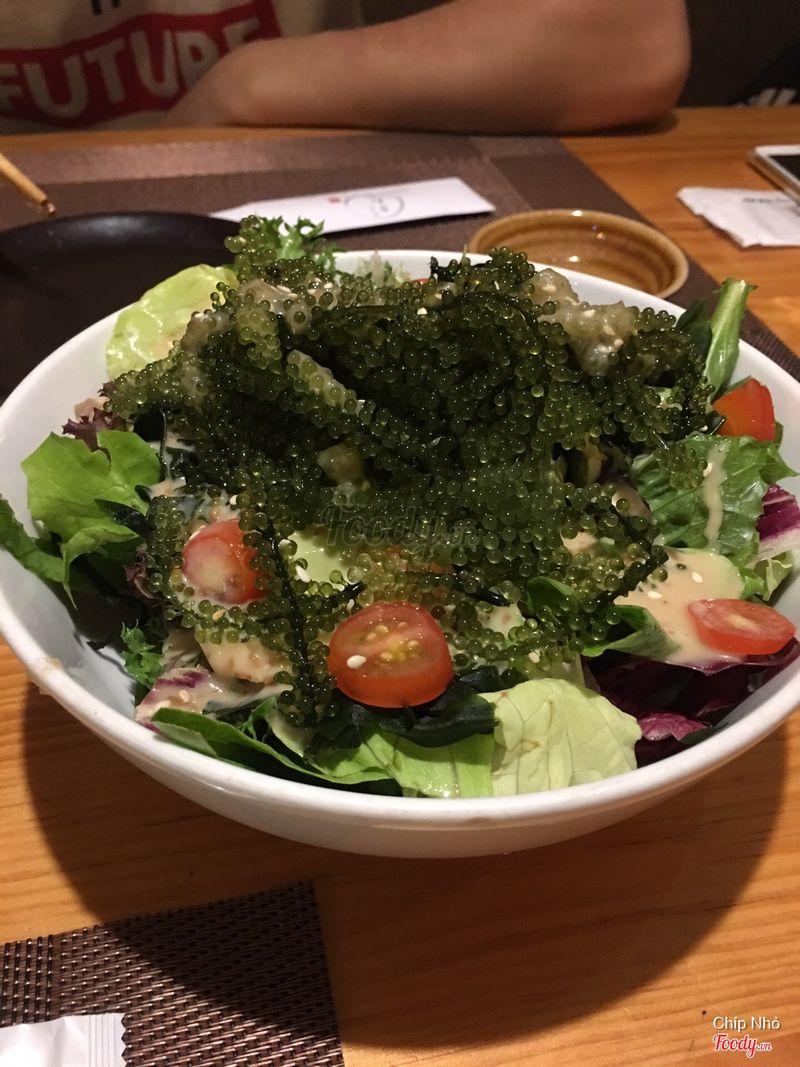 salad rong nho sốt mè rang
