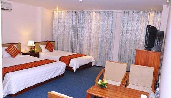 Tân Phú Gia Hotel - Gò Dầu