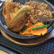 cơm cánh gà chảo nóng