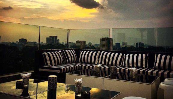 Glow Skybar - Rooftop Bar