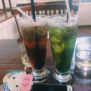 Hồng trà , trà xanh chia