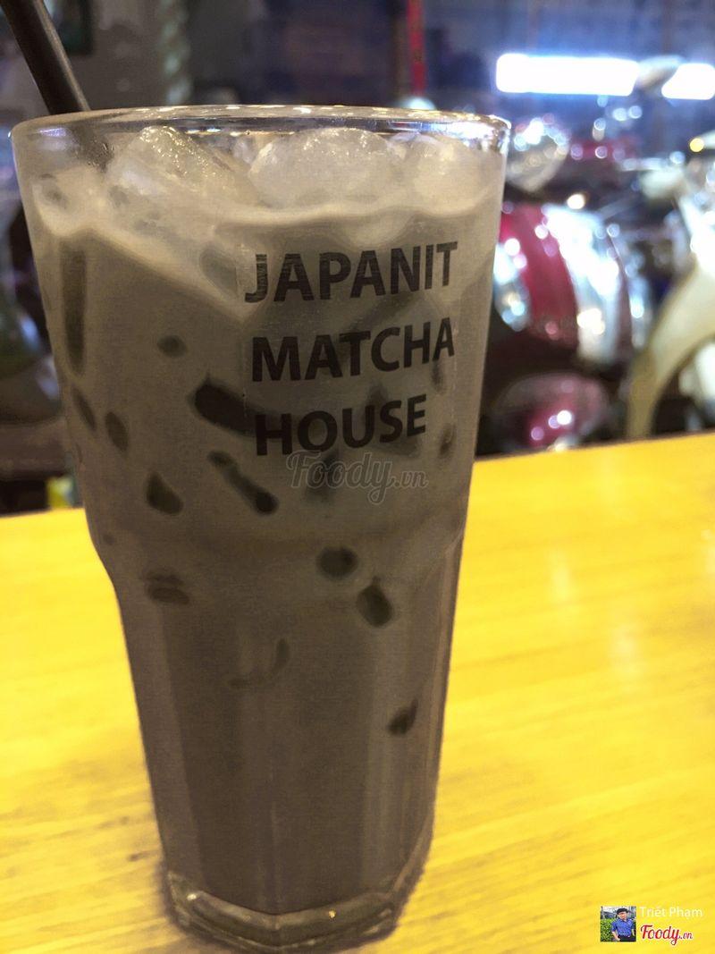 Black sesame latte