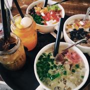 Hồng trà, trà đào trái cây, trà sữa full thạch, trà sữa tô + thủy tinh việt quất, trà sữa trà xanh + trân châu bạch kim