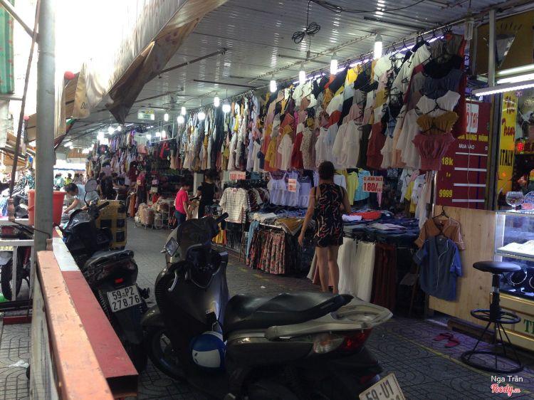 Chợ Phạm Văn Hai ở TP. HCM