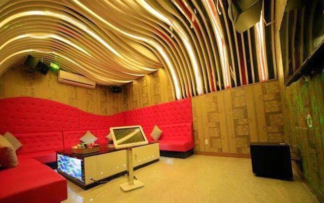Tuổi Ngọc Karaoke & Cafe - Nguyễn Ái Quốc
