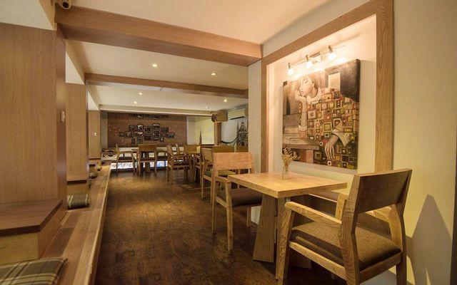 Big Ben Cafe - Tuệ Tĩnh