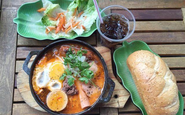 Bánh Mì Chảo & Món Ngon Hoa Việt - Quán Cô 3 Hậu