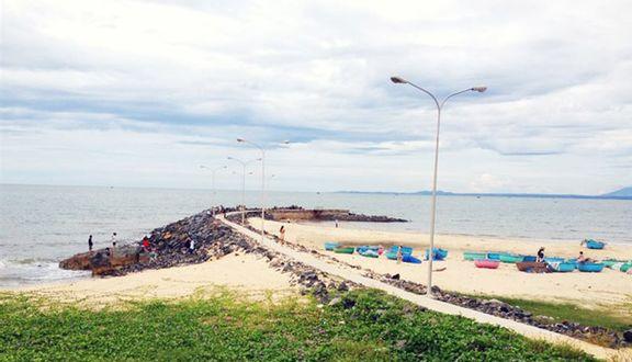 Bãi Đá Ông Địa - Nguyễn Đình Chiểu
