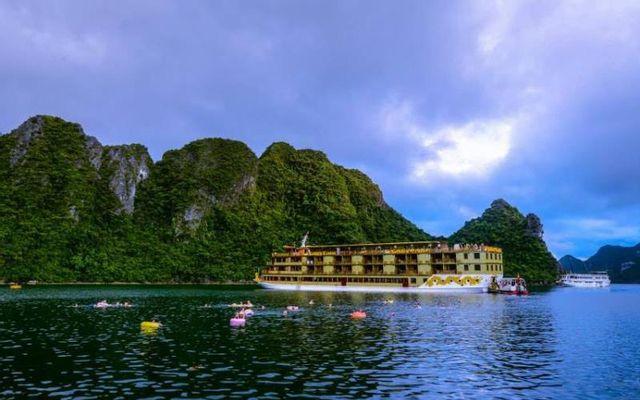 Golden Cruises 9999 - Tuần Châu