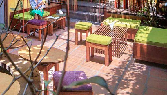 GAM - Gemstone Art Museum - Cafe Lounge