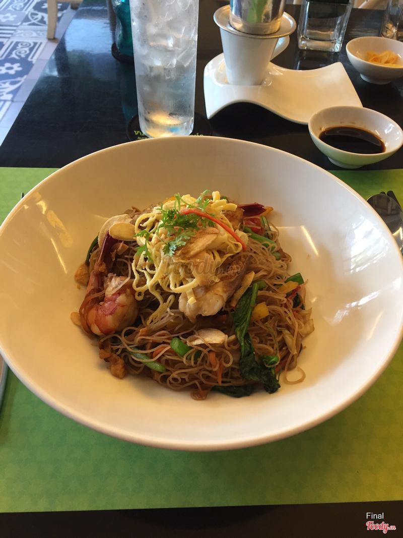Bún xào hải sản Singapore