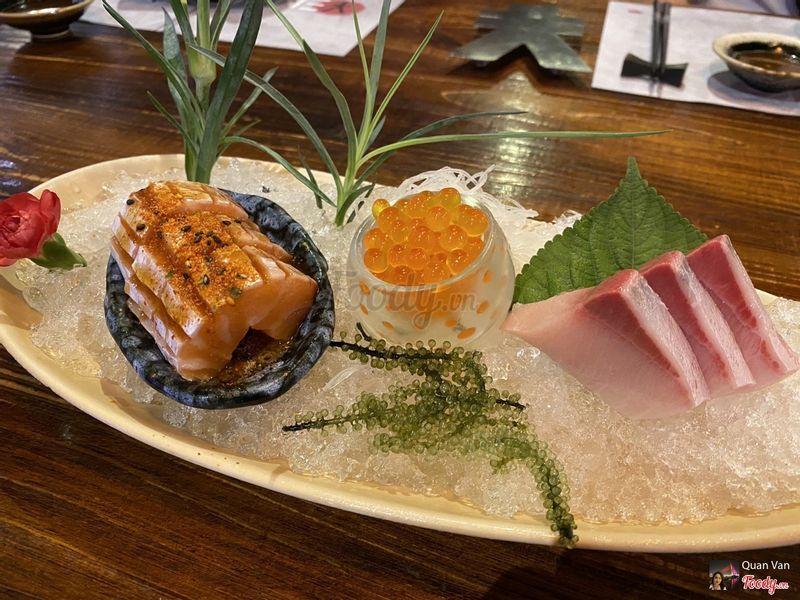 1. Spicy toro salmon sashimi -S-108k ; 2. Ikura sashimi - 168k; 3. Kanpachi sashimi -S- 168k