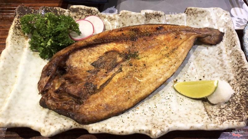 Cá nướng muối (mình quên cả tên rồi)