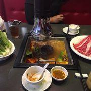 Lần đầu ghé Hutong BigC, được nhân viên chào từ cửa vào, rất thân thiện. Các bạn dễ thương, đồ ăn lên nhanh không phải chờ dài cổ như các chỗ các khác mặc dù quán rất đông. Đồ ăn ngon, chắc chắn sẽ quay lại vào lần sau❤️