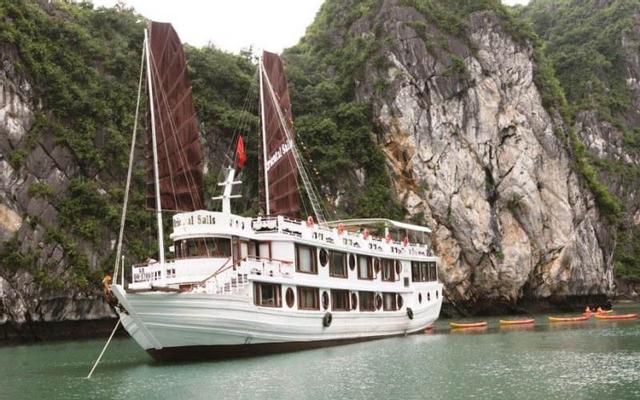 Deluxe Oriental Sails Halong - Hòn Gai