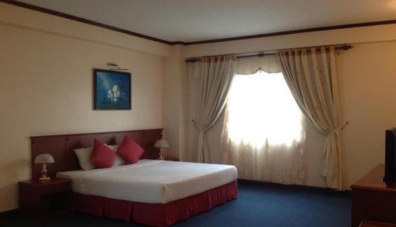 Blue Sky Halong Hotel - Hùng Thắng