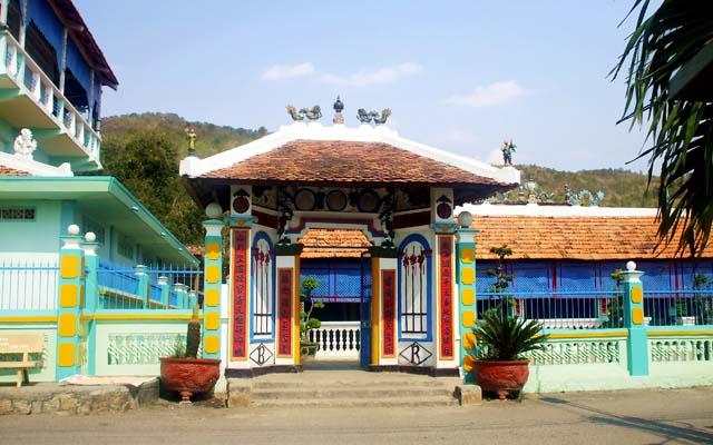 Nhà Lớn Long Sơn - Đường 28 Tháng 4