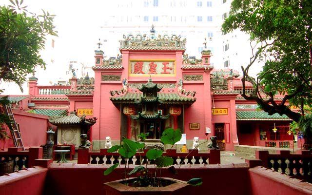 Chùa Ngọc Hoàng - Mai Thị Lựu