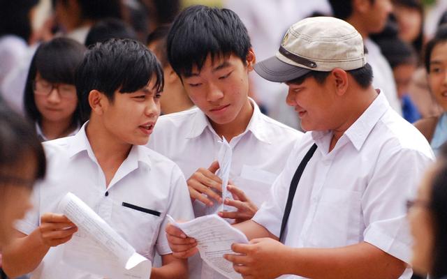 Trường THPT Hạ Long
