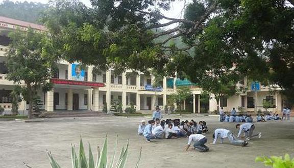 Trường THPT Cửa Ông