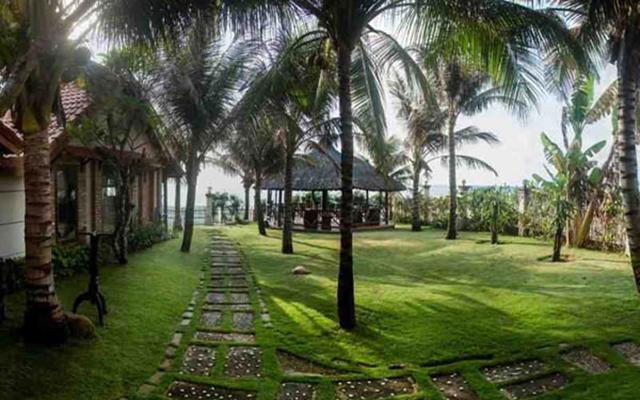 Green Papaya Organic Village