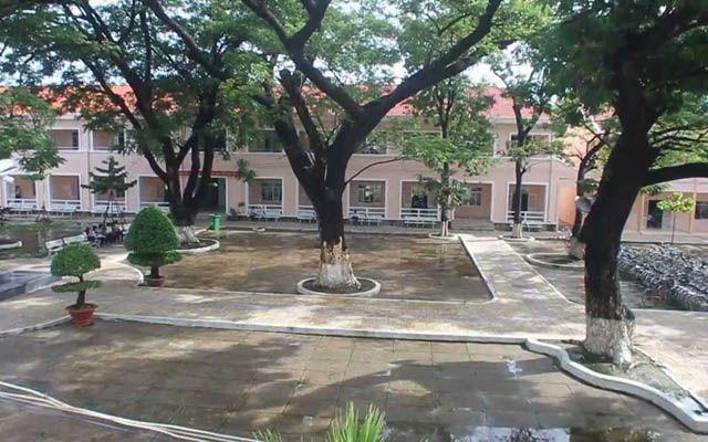 Trường THPT Phan Bội Châu - Lê Hồng Phong