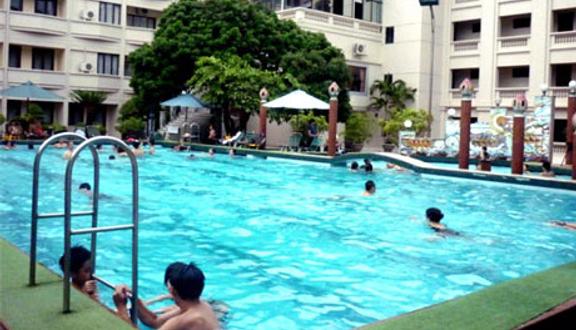 Bể Bơi - Khách Sạn Kim Liên